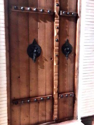 درب چوبی طرح قدیمی