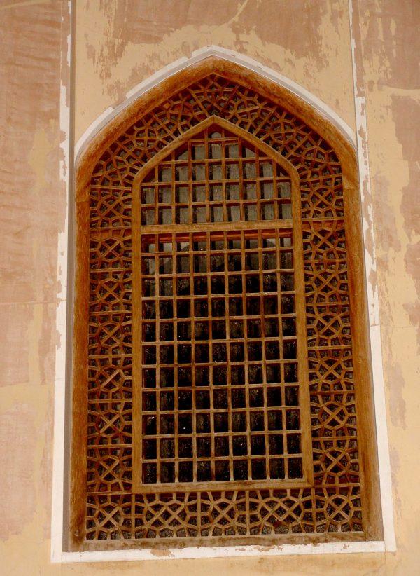 پنجره گره چینی دوره صفویه